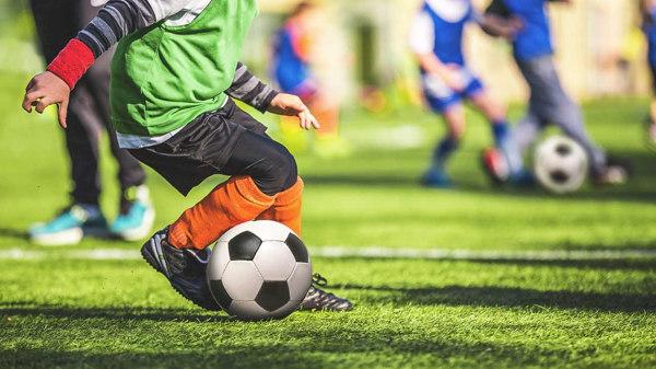 Guía para comprar botas de fútbol para niños  663e4b9e26f17